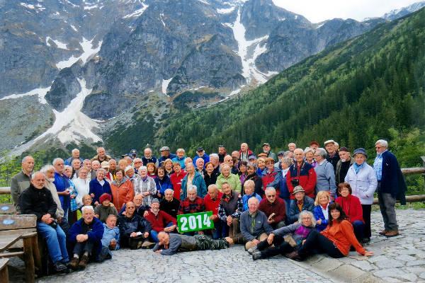uczestnicy XXII spotkania taterników-seniorów nad Morskim Okiem