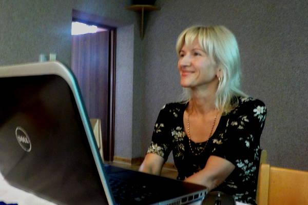 Beata Gluza w trakcie prelekcji