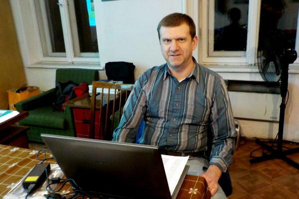 Przemysław Kubik w trakcie prelekcji